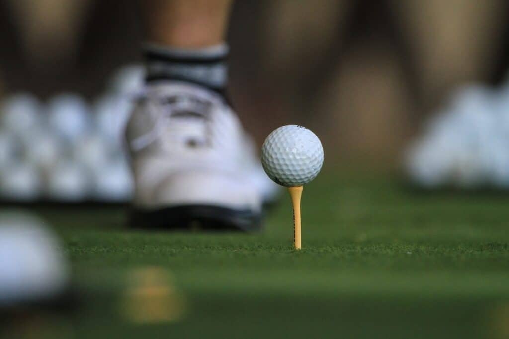 picture of a golf ball on a tee